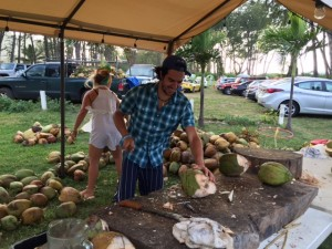 Hawaii Fruit Festival - Marco chopping coconuts
